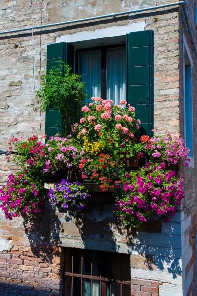 23-Italy-