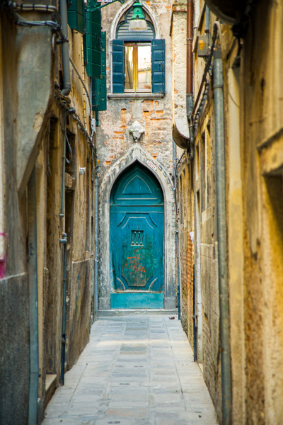 27-Italy-