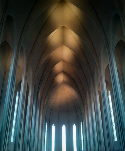 Inside Hallgrímur Church