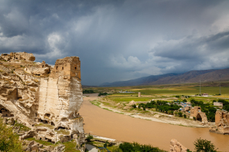 Storm over the Tigris