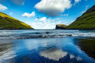 Tjørnuvík Bay