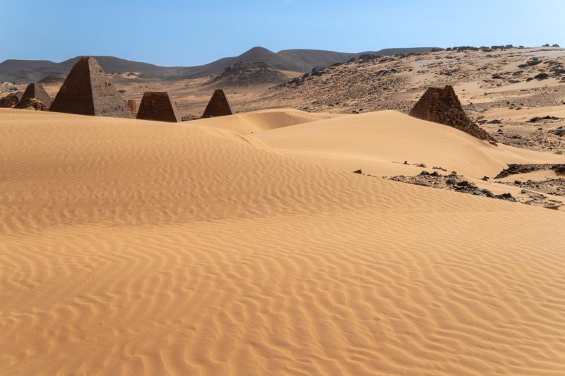 Dunes & Pyramids 2